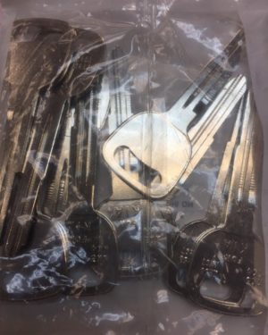 X253 2 New Ilco Keys For Kia Rio Blank KK3 Kia Sephia Kia Sedona